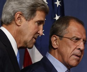 John Kerry y Seguei Lavrov (a la derecha). Foto: AFP
