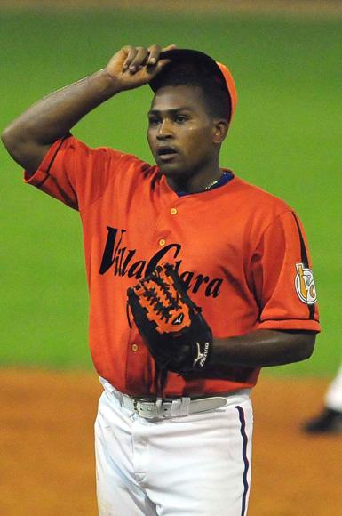 Ratifican sanción a lanzador cubano Freddy Asiel Álvarez