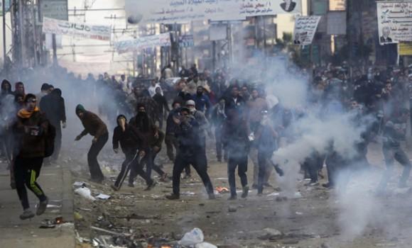 Enfrentamientos entre simpatizantes de la Hermandad Musulmana y la policía egipcia.