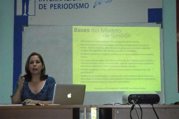 """Rosa Miriam Elizalde defendió su tesis de doctorado """"El consenso de lo posible. Principios para una política de comunicación social desde la perspectiva de los periodistas cubanos""""."""