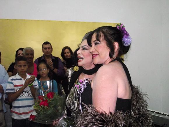 La declamadora, Olga Navarro, también fue invitada especial de Zaida del Rio. Foto: Marianela Dufflar