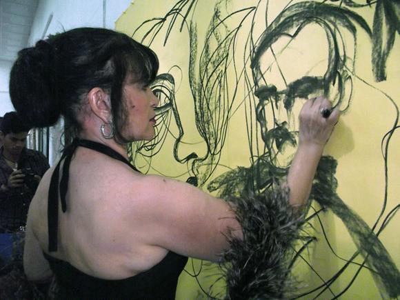 """.      Zaida decidió  escoger """"Versos Libres"""" porque muestran la sabiduría de Martí. Foto: Marianela Dufflar"""