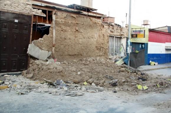 En Iquique, la ciudad más cercana al epicentro del sismo, y en la aledaña Alto Hospicio, fallecieron cinco hombres y una mujer..Foto: AFP