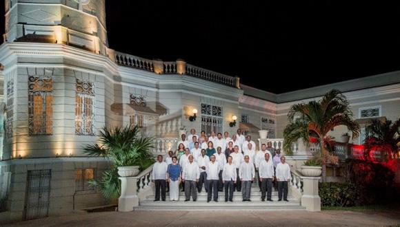 Foto oficial de los Jefes de Estado y Gobierno que participan en la VI Cumbre de la Asociación de Estados del Caribe.