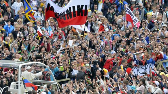 La misa oficiada por el papa Francisco fue concelebrada por entre 130 y 150 cardenales llegados de todo el mundo. Foto: AFP