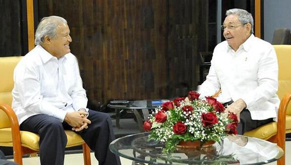 Raúl Castro y Salvador Sánchez Cerén