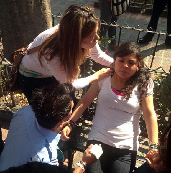 Atienden a jóvenes por crisis nerviosa. Foto: Gisela Vieyra/@GiselaIsaias