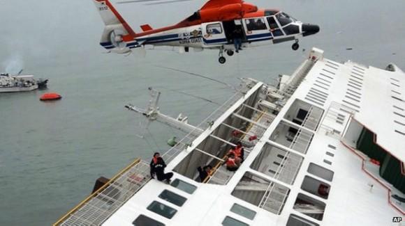 Un giro brusco que desestabilizó la nave pudo haber sido una de las causas del accidente.