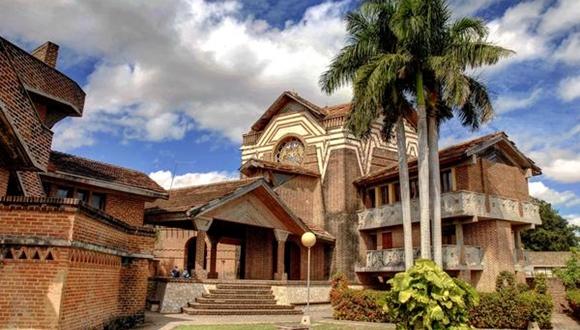 El centro cultural Félix Varona Sicilia, obra del arquitecto norteamericano Walter Anthony Betancourt. Foto: AIN/ Juan Pablo CARRERAS