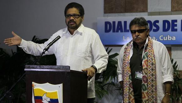 Iván Márquez y Jesús Santrich seguirán al frente del equipo negociador de las FARC-EP