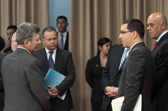 Dialogo con Justicia por la Paz, 11 de abril de 2014, palacio de Miraflores.