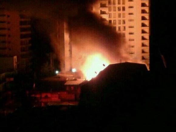 Los pobladores de la zona de Iquique reportaron dos incendios y saqueos.Foto: Twitter