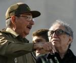 Raúl Castro y García Marquez en el acto por el 50 aniversario de la Revolución Cubana. Foto Reuters.