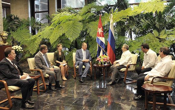 El General de Ejército Raúl Castro Ruz, Presidente de los Consejos de Estado y de Ministros, recibió al compañero Serguei Lavrov, ministro de Asuntos Exteriores de la Federación de Rusia. Autor: Estudios Revolución