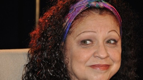 """Sonia Silvestre en el programa de la Televisión Cubana """"Con 2 que se quieran"""" bajo la conducción de Amaury Pérez, en el 2011. Foto: Petí"""