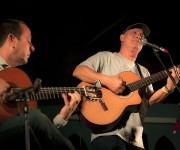 Vicente Feliú junto al guitarrista Alejandro Valdés presenta en Cataluña su CD en directo al Barnasants.