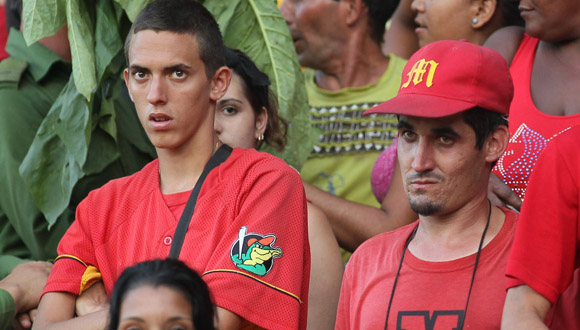 Así quedaron los aficionados de Matanzas en el Capitán San Luis. Foto: Ismael Francisco/Cubadebate.