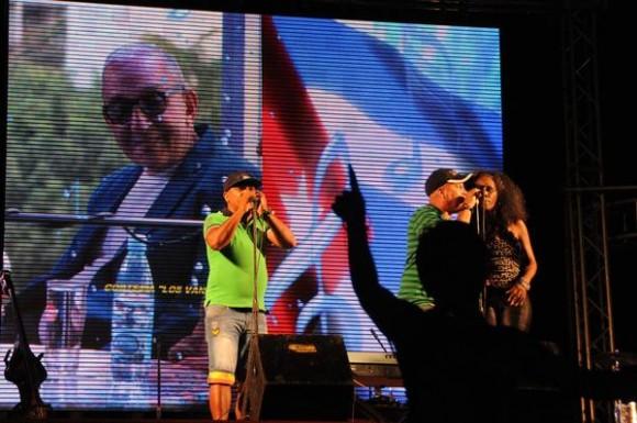 La agrupación musical cubana Yoruba Andabo, durante el homenaje ofrecido a Juan Formell, fundador de Los Van Van y Premio Nacional de Música, en la Tribuna Antiimperialista José Martí, en La Habana, Cuba, el 3 de mayo de 2014.  AIN FOTO/Omara GARCÍA MEDEROS