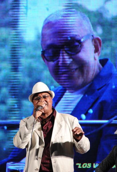 """Sixto Llorente """"El Indio"""", durante el homenaje ofrecido a Juan Formell, fundador de los Van Van y Premio Nacional de Música, en la Tribuna Antiimperialista José Martí, en La Habana, Cuba, el 3 de mayo de 2014.   AIN FOTO/Omara GARCÍA MEDEROS"""