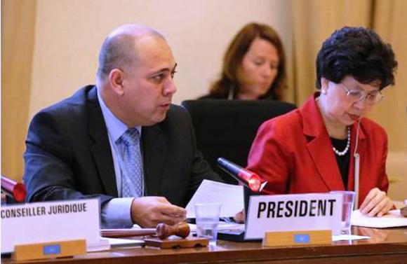 Roberto Morales, ministro de Salud Pública de Cuba, junto a Margaret Chan, directora general de la Organización Mundial de la Salud. Foto: Archivo