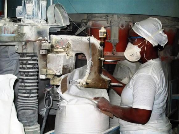 Empresa de Cereales de Cienfuegos. Foto: Modesto Gutiérrez/AIN