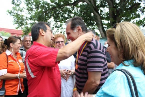 Adán Chávez, hermano del Presidente bolivariano, recibió en Barinas al Héroe cubano. Foto: PSUV/ Barinas