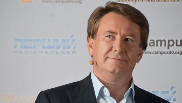 Alexander Klimenko. Político. Nació en la región de Donetsk. Comenzó su carrera trabajando en una empresa minera. En 2006 se postuló para el puesto de alcalde de la ciudad de Donetsk, donde quedó segundo. Es el líder del Partido Popular de Ucrania.
