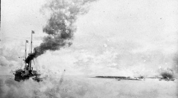 Otro buque de la Armada de EE.UU. para participar en el conflicto fue el USS Boston representado aquí en 1898 también participó en la batalla de Manila