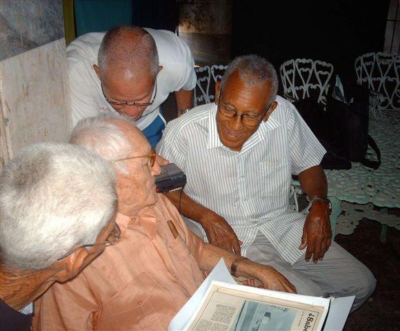 Asdrúbal Baró, con Conrado Marrero en sus 96 años