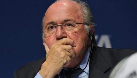 Joseph Blatter fue sancionado fuera de la presidencia de la FIFA por casos de corrupción. Foto: Archivo.