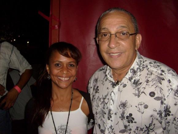 En Caracas, Venezuela, año 2008. Con gentileza me dio un beso y me regaló su sonrisa. Foto: Yousy