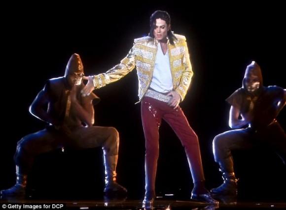 Michael Jackson resucitó en forma de holograma 1