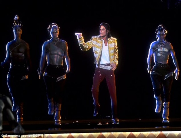 Michael Jackson resucitó en forma de holograma 1.3