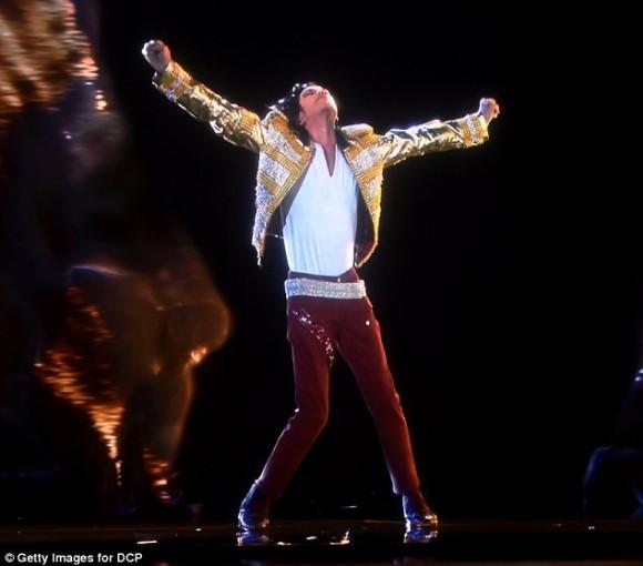 Michael Jackson resucitó en forma de holograma 1.4
