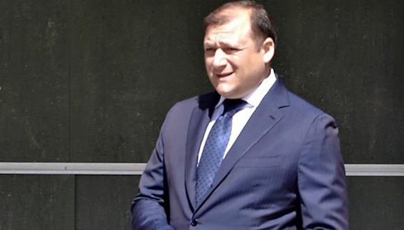 El exjefe de la región de Jarkov Mijail Dobkin es del Partido de las Regiones. El 11 de marzo de 2014 le aplicaron arresto domiciliario por una causa penal en su contra en virtud del artículo 110 del Código Penal (violación de la integridad territorial de Ucrania). El 3 de abril un tribunal de Kiev cambió la medida de restricción de su arresto domiciliario por libertad condicional.
