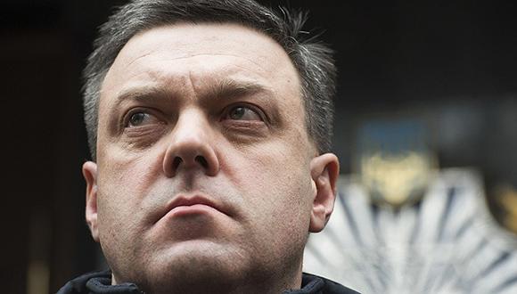 Oleg Tiagnibok. Líder del partido nacionalista Svoboda. Fue uno de los políticos que apoyó las protestas de Maidan que provocaron la destitución del presidente legítimo de Ucrania, Viktor Yanukovich. Además, Tiagnibok mantenía estrechos vínculos con el líder de la agrupación ultranacionalista Sector Derecho, Dmitri Yarosh.