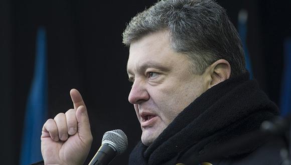 """Poitr Poroshenko. Político y empresario. Es una de las personas más ricas de Ucrania. En la lista de 20 diputados más ricos de Ucrania de la revista 'Forbes' en 2013, Poroshenko fue el líder con una fortuna de 1 600 millones de dólares. En un año aumentó su fortuna en un 60 por ciento. Según la revista 'Korrespondent', en 2013 ocupó el puesto 23 en la lista de los """"100 ucranianos más influyentes""""."""