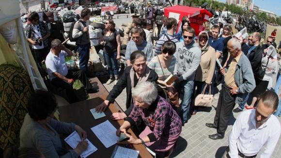 Votaciones en diversas regiones de Ucrania