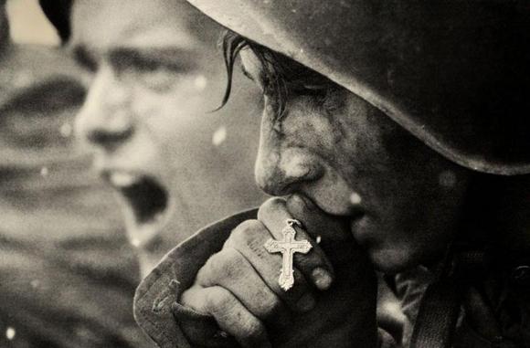 Soldados rusos preparándose para la batalla de Kursk, en Julio de 1943