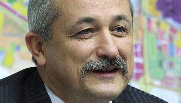 Vasili Kuibida. Político. En 1998 fue elegido como diputado a la Rada Suprema, pero lo rechazó porque también fue elegido alcalde de Lvov. En 2007 fue asesor del presidente de Ucrania Viktor Yushchenko.