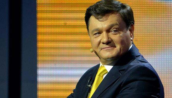 Vladimir Saranov. Empresario. Es el director general de una compañía que produce juegos de cortinas, alfombras comerciales, cornisas y accesorios para cortinas. Antes del anuncio de las elecciones presidenciales anticipadas en Ucrania este negociante no era conocido.