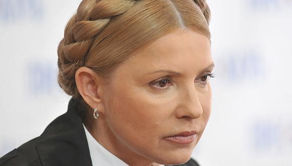 Yulia Timoshenko. Ex primera ministra de Ucrania y líder del partido Patria. En 2010 ya fue candidata a la presidencia, perdiendo en la segunda ronda frente a Yanukovich con una diferencia de un 3.48 por ciento. En 2011 fue condenada a siete años de cárcel por abuso de poder sin derecho a ejercer cargos públicos durante tres años. El 22 de febrero de 2014 la Rada Suprema de Ucrania despenalizó el Código Penal y el mismo día ella fue puesta en libertad.