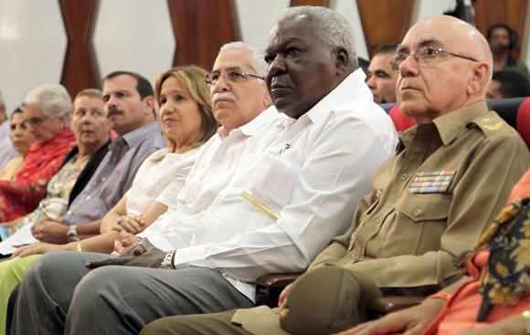 """Preside Eteban Lazo, presidente del parlamento cubano. Audiencia  """"Los Cinco, la guerra mediática y la subversión contra Cuba"""". Foto: Ismael Francisco/Cubadebate."""