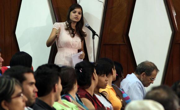 """Gretchen Gómez  en Audiencia  """"Los Cinco, la guerra mediática y la subversión contra Cuba"""". Foto: Ismael Francisco/Cubadebate."""