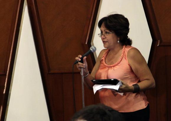 """Arleen Rodriguez en Audiencia  """"Los Cinco, la guerra mediática y la subversión contra Cuba"""". Foto: Ismael Francisco/Cubadebate."""