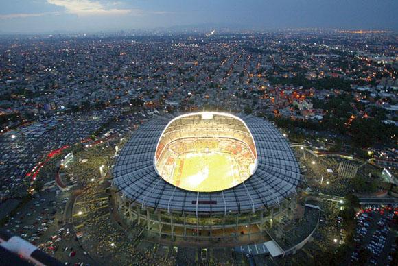 En el Estadio Azteca jugaron el mejor Brasil y el mejor Maradona.
