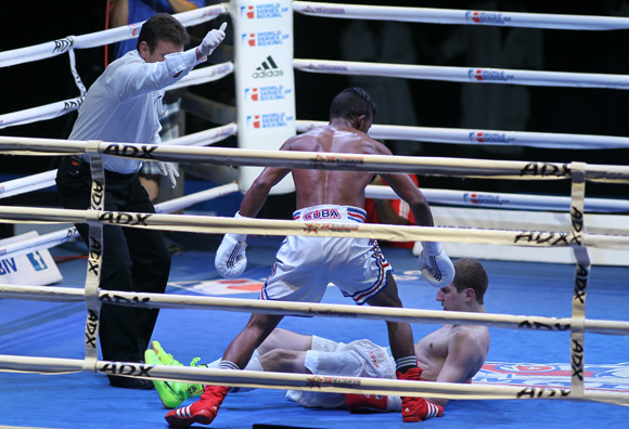 Lazaro Alvarez le gano a Konstantin Bogomazov en los 60 kg. Foto: Ismael Francisco/Cubadebate