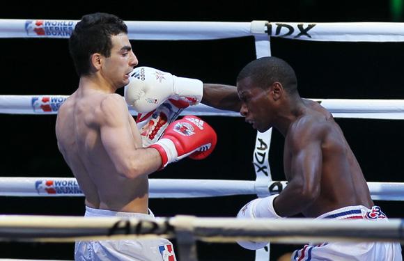Leodan Nuñez le gano a Ovik Ogannisian en los 52 kg. Foto: Ismael Francisco/Cubadebate.