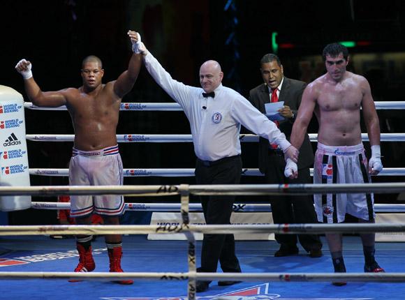 Jose Angel Larduet le gano a Magomed Omarov en mas de 91 kg. Foto: Ismael Francisco/Cubadebate.