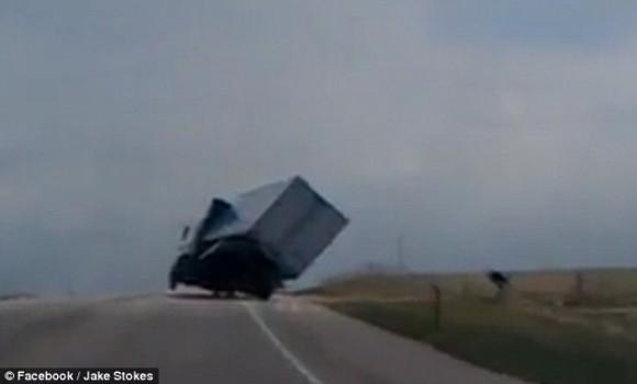 camion viento 2